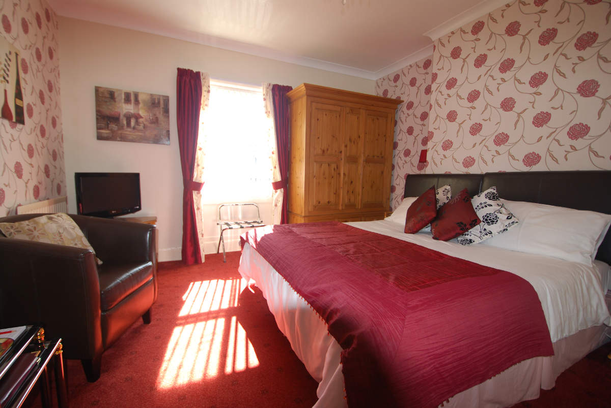 Guest accommodation double en-suite bedroom